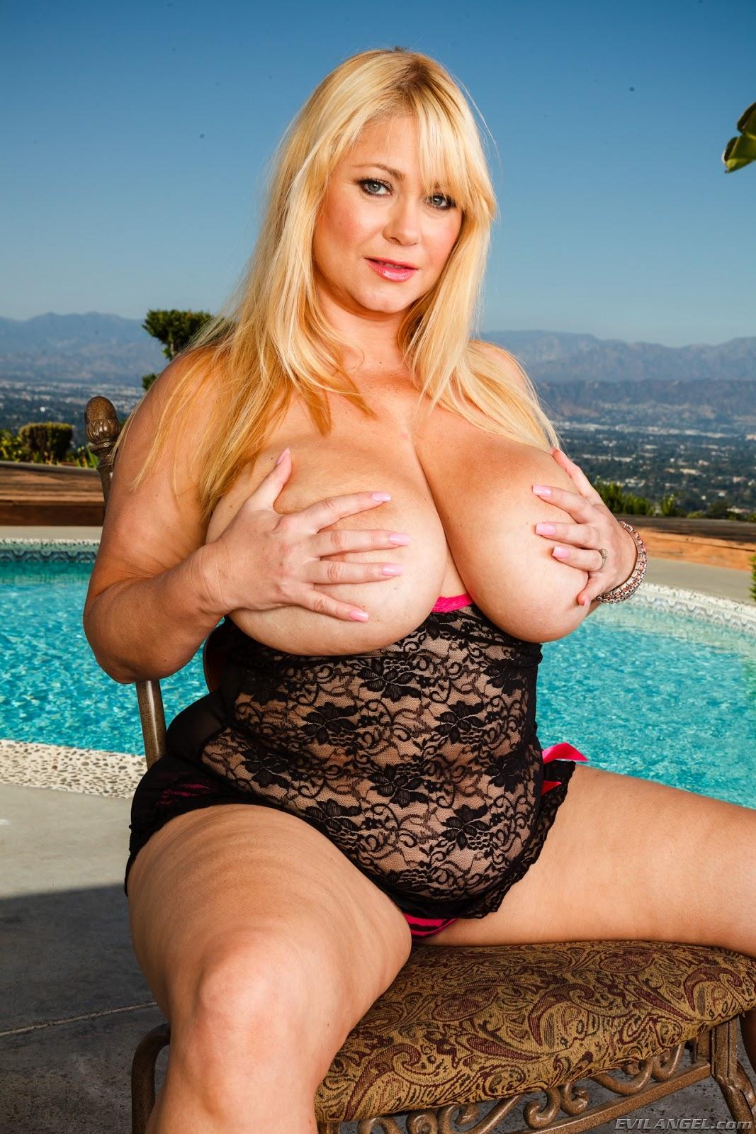 Samantha 38g Solo Porn Videos Pornhubcom