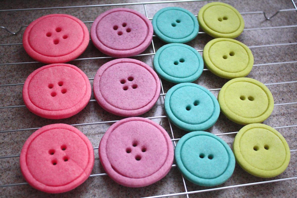 TurtleCraftyGirl: Cute... Round Birthday Sugar Cookies