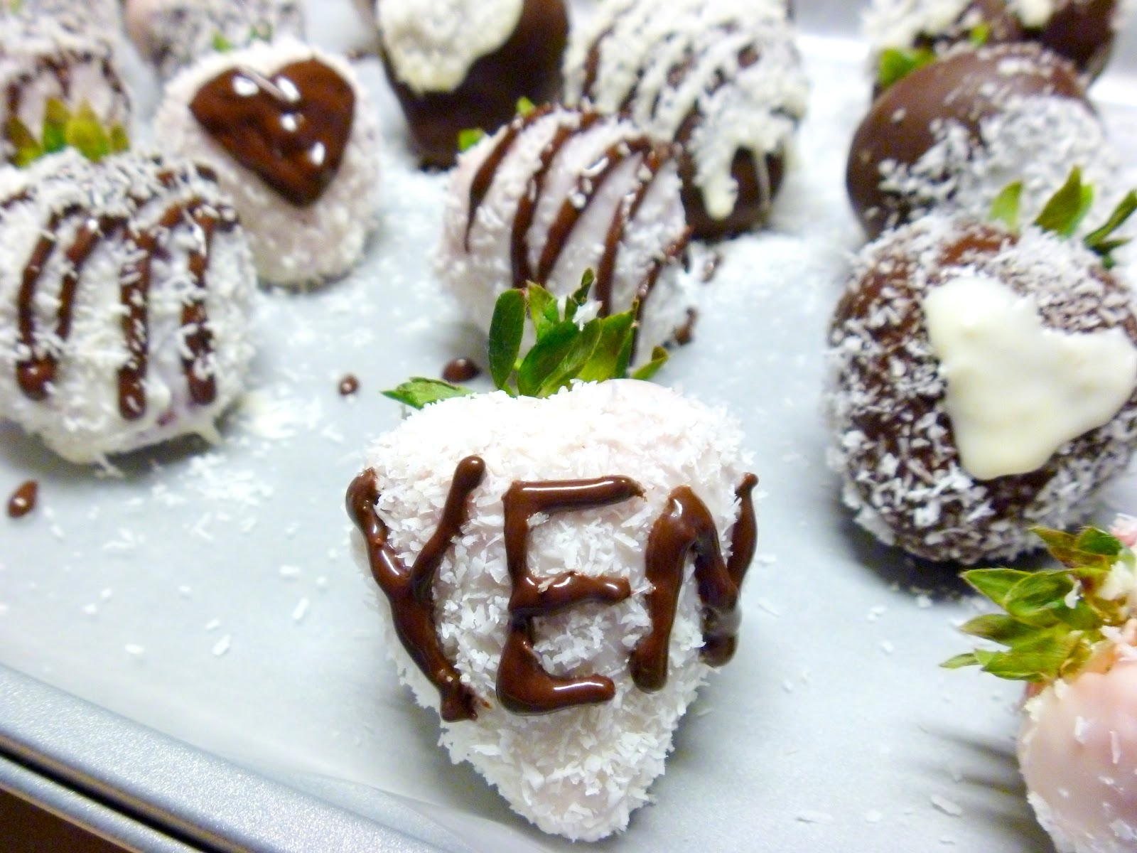 LetsGetCookinggg ♥ Yen: Chocolate Covered Strawberries