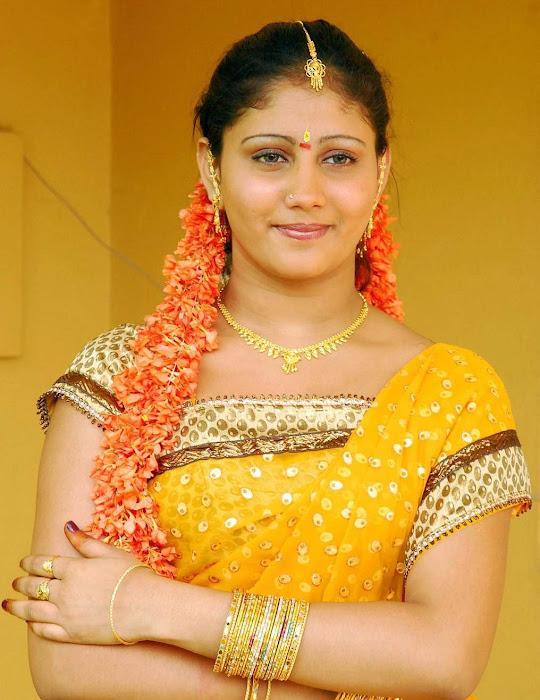 amrutha valli beautiful saree actress pics
