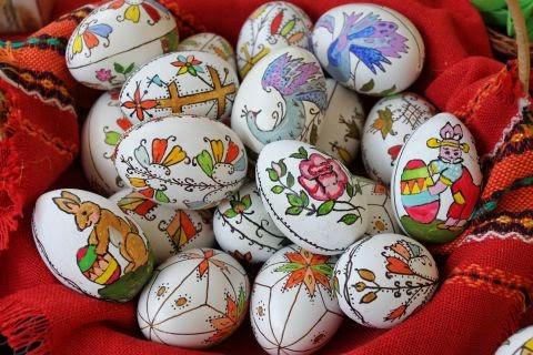the celebration of Easter begins