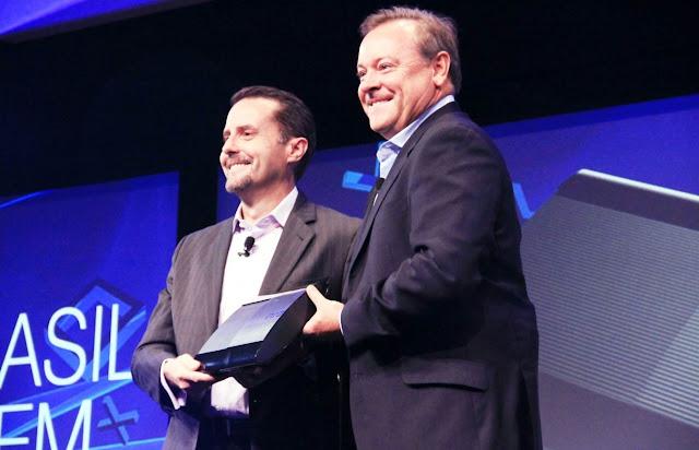 Andrew House e Jack Tretton apresentam o PS3 brasileiro