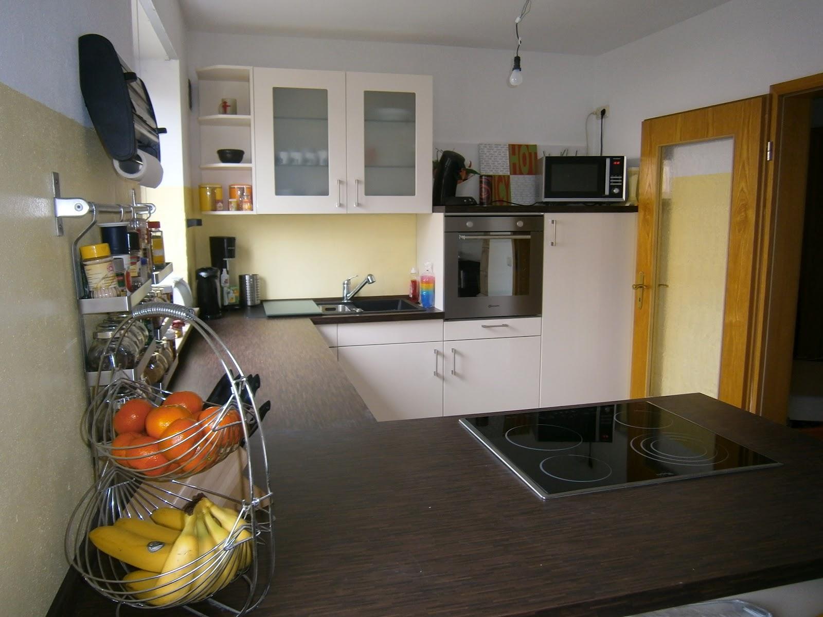 lecker und leidfrei durch 39 s leben meine k che ist eingezogen. Black Bedroom Furniture Sets. Home Design Ideas
