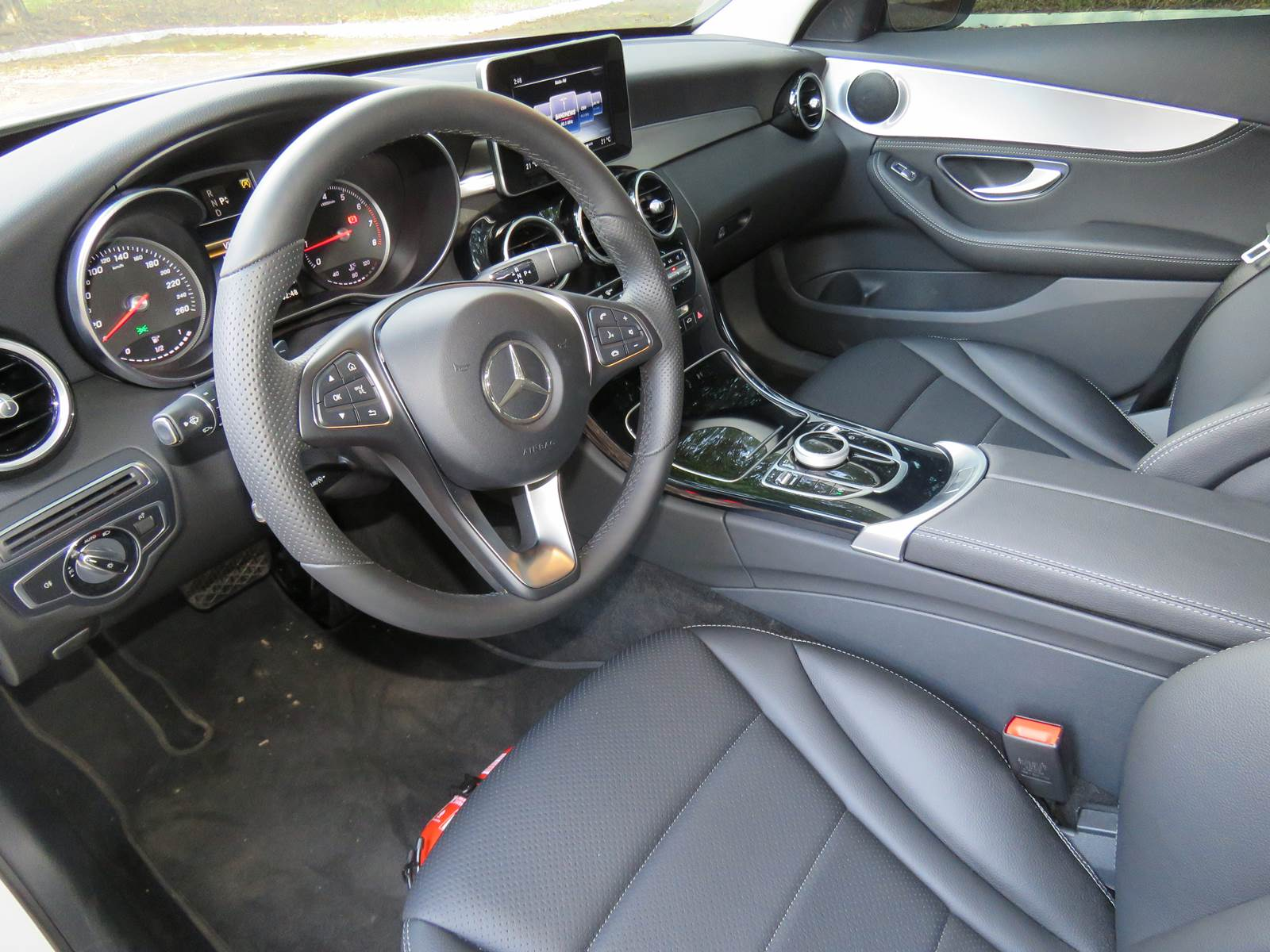 Mercedes-Benz C 180 2016 - interior