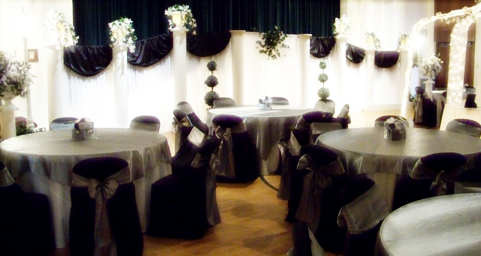 Runaway Bridal Planner Black White And Silver Wedding Decoration