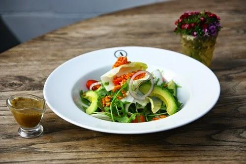Avocado and Grapefruit Fennel Salad