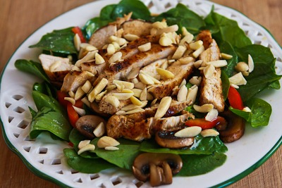 ... ®: Asian Spinach Salad with Chicken, Mushrooms, Peppers, and Almonds