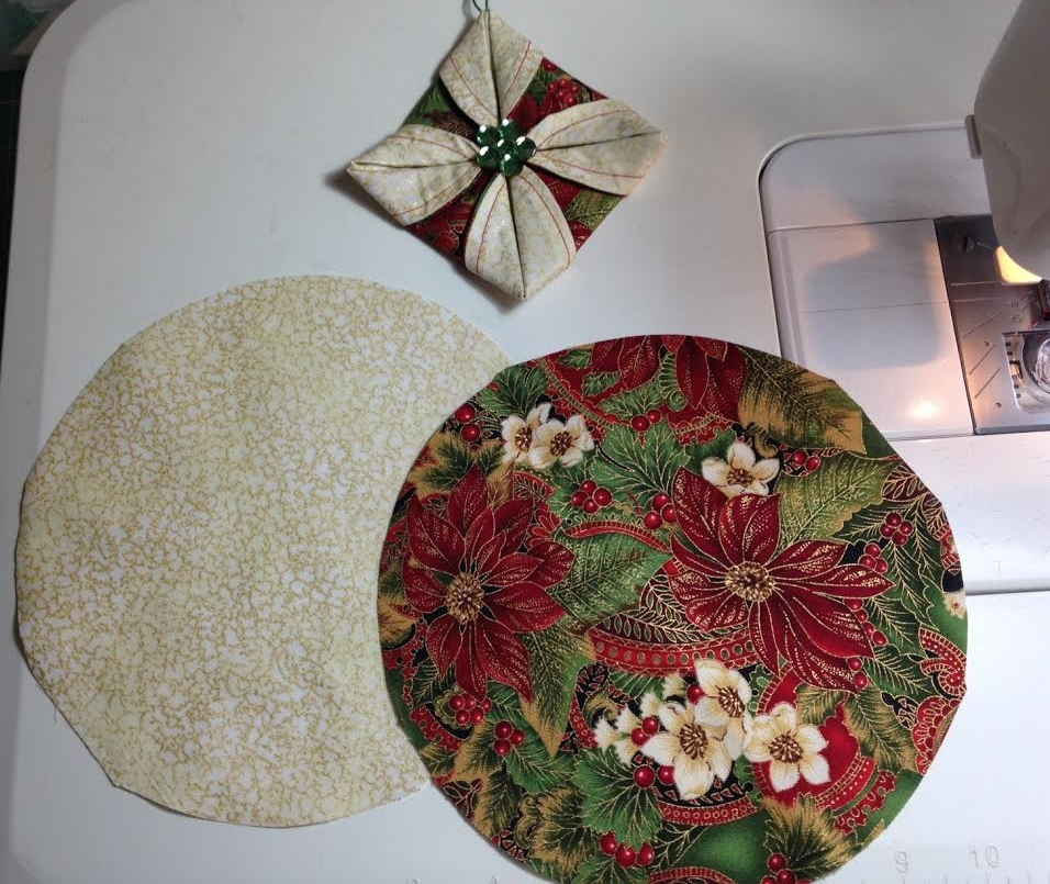 Life in the scrapatch folded fabric christmas ornaments