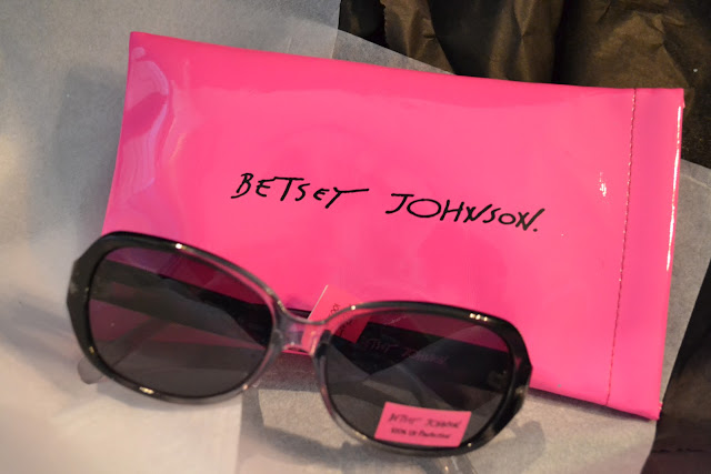 Little Black Bag, Betsey Johnson, Sunglasses, Square 