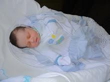 Raul nasceu com 3,865 kg e 54 cm!