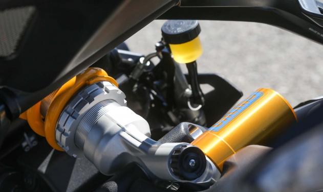 Ducati Monster 1200 R: Again! Ready to bite!