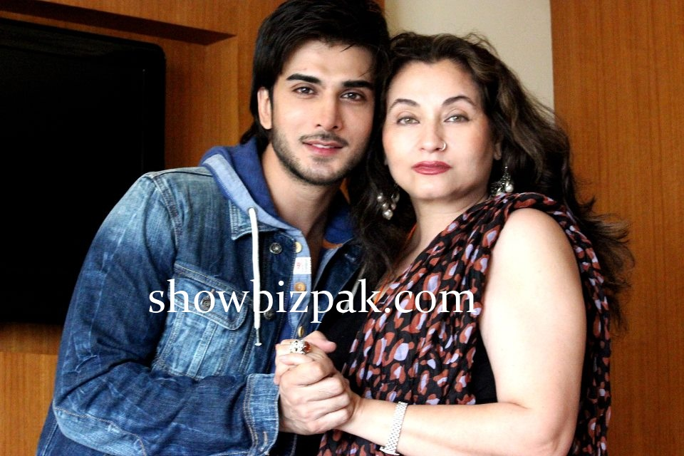 Imran Abbas And His Wife http://www.showbizpakblog.com/2012/09/imran-abbas-discovers-bollywood.html