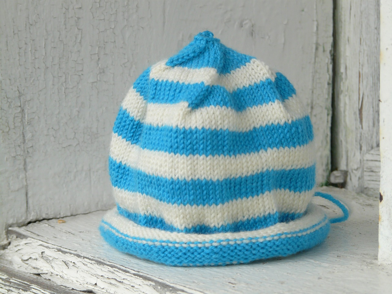 Easy Hat Knitting Pattern Loom : Loom Knitting by This Moment is Good!: EASY LOOM KNIT HAT...