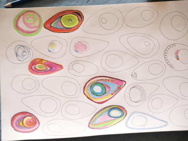 Fjer fjer fjer - alle farver kom i brug, og alle var med til at tegne