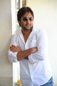 Telugu Hero Tarun latest Photo Shoot photos Stills Gallery-thumbnail-9