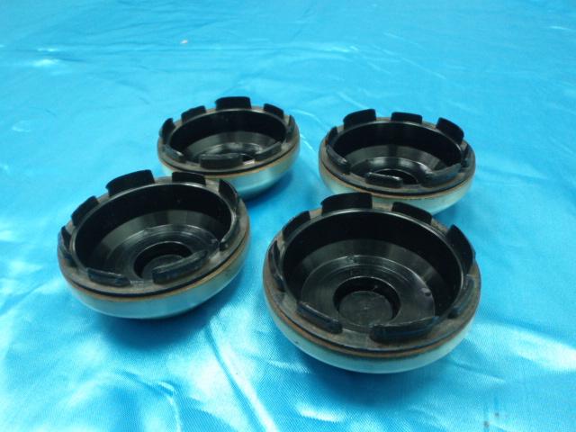 http://4.bp.blogspot.com/-P25Kyv2wFrQ/TlY2EcI6imI/AAAAAAAAIS4/eYKxg_eOznA/s1600/Volk+Racing+Rays+Engineering+TE37+Original+Rim+Cap+%288%29.JPG