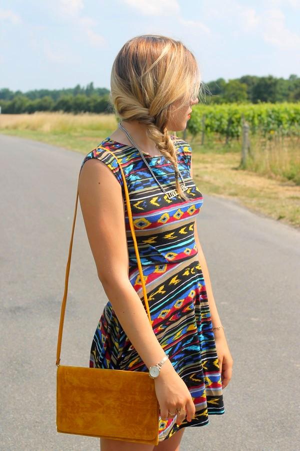 Robe courte colorée