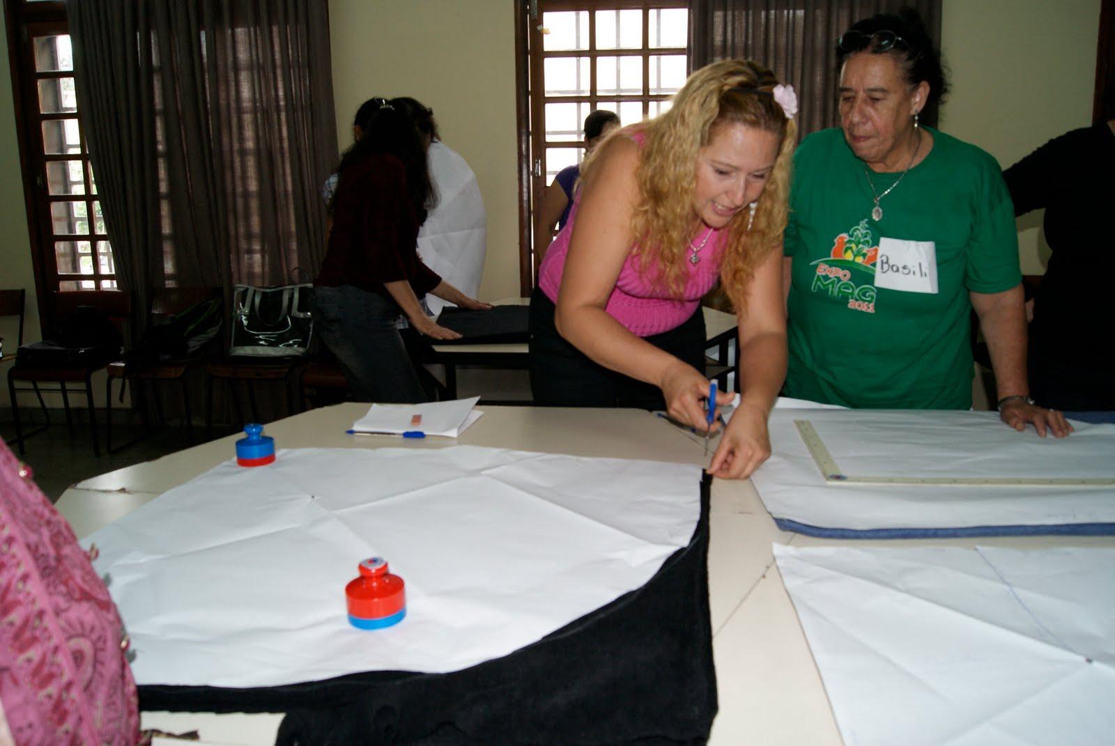 Confeccionan Ponchos Y Bufandas Para Mejorar Sus Ingresos Econ  Micos