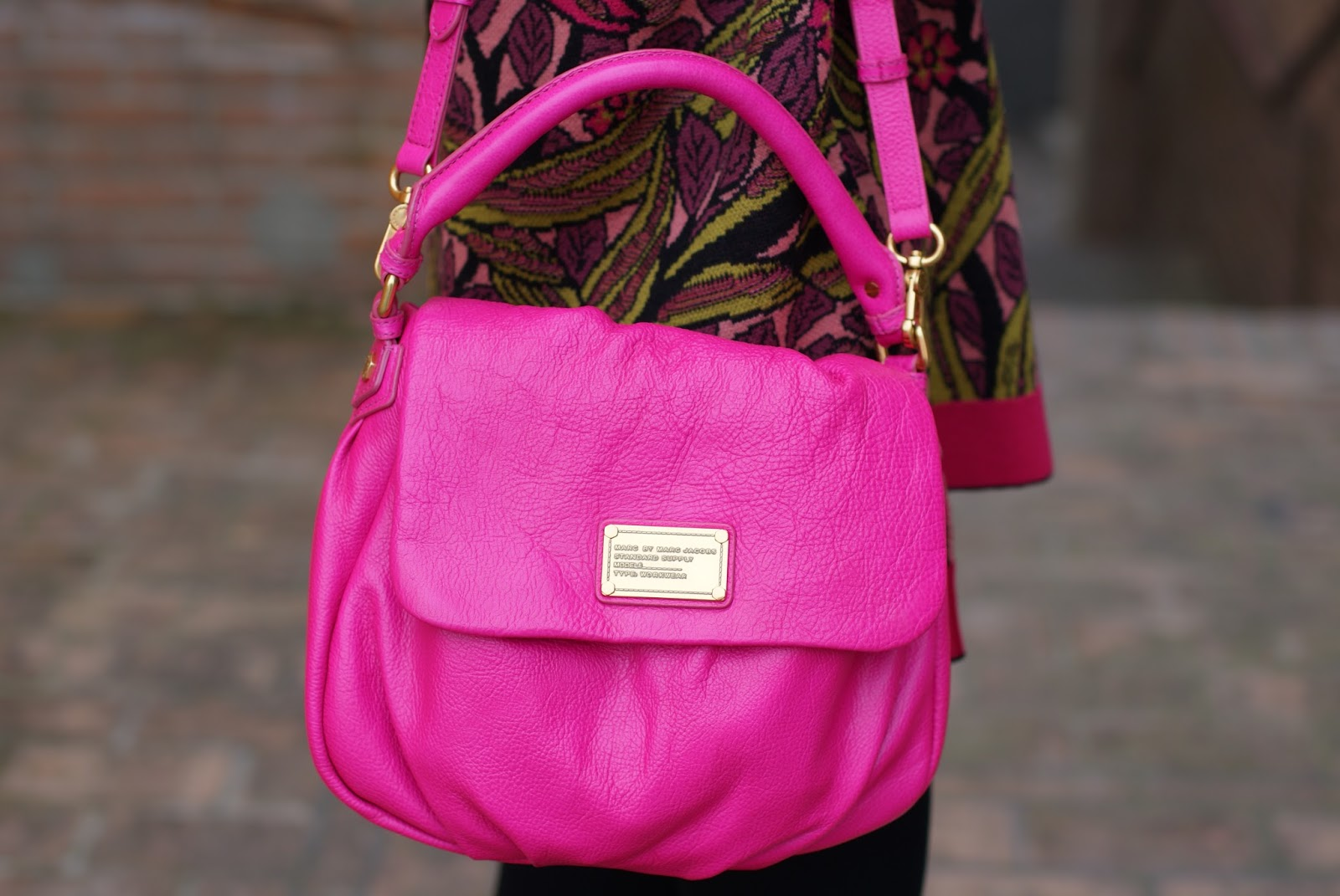 Marc by Marc Jacobs little ukita fuchsia bag on Fashion and Cookies fashion blog, fashion blogger