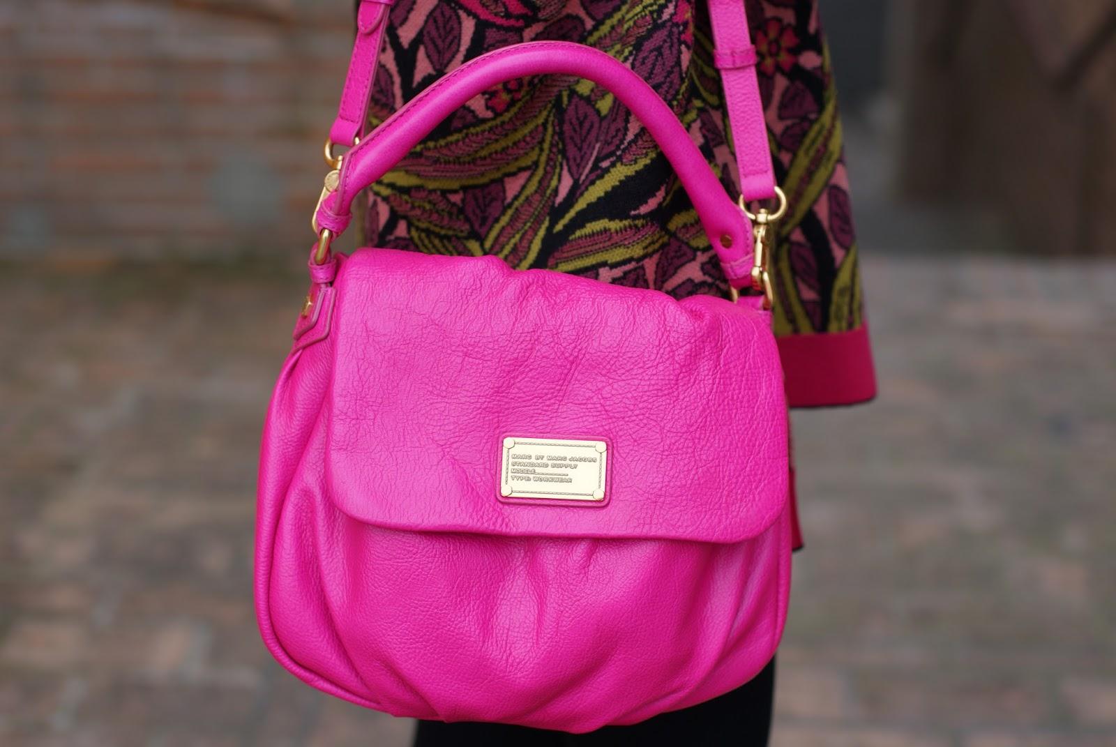 Marc by Marc Jacobs little ukita fuchsia bag on Fashion and Cookies fashion blog, fashion blogger