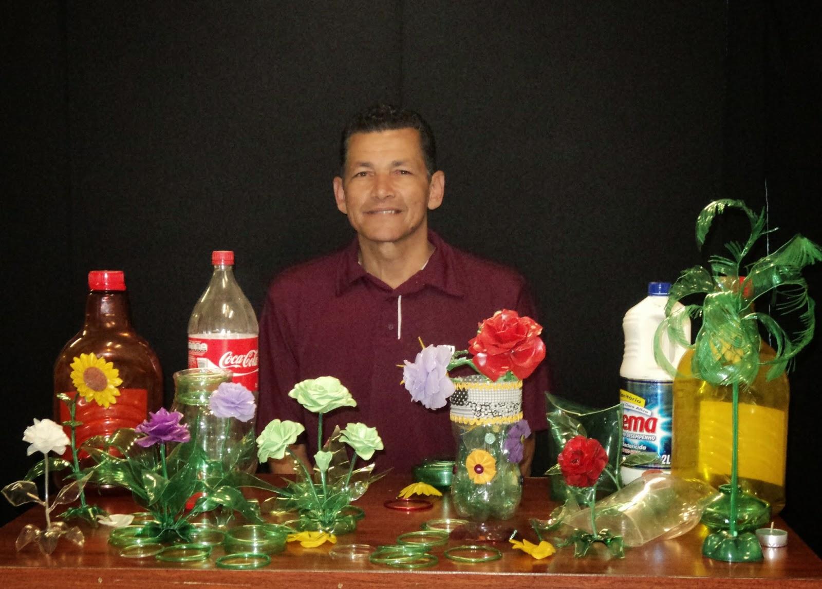 Ivan Belitardo e trabalhos com garrafas PET
