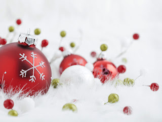 Christmas Wallpapers Free Red Christmas Ball Free Pictures