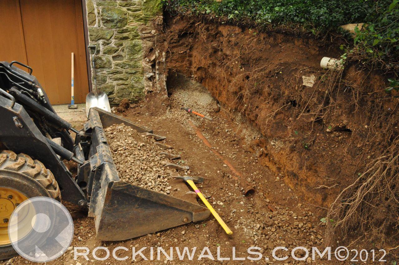 http://4.bp.blogspot.com/-P2k4_MN5SJ0/T-Ut-LByaLI/AAAAAAAACOo/scNEEvMIC5E/s1600/WM+7+Pipe++Glenville+Dry+Laid+Stone+Retaining+Wall.jpg
