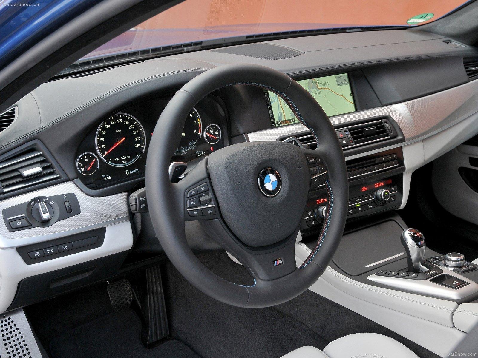 http://4.bp.blogspot.com/-P2zF89OLIys/T1vcaKYI3OI/AAAAAAAAAJs/84gWpLGmsuo/s1600/BMW-M5_2012_1600x1200_wallpaper_d3.jpg