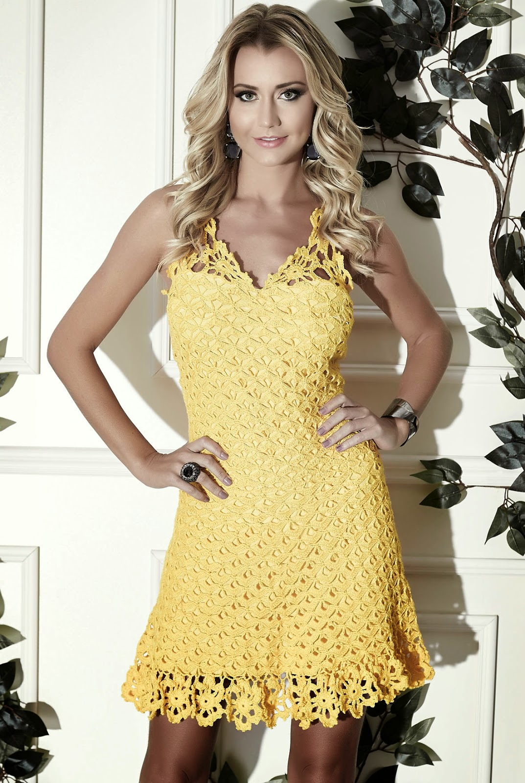 http://www.circulo.com.br/pt/receitas/moda-feminina-adulto/vestido-amarelo-clea-5