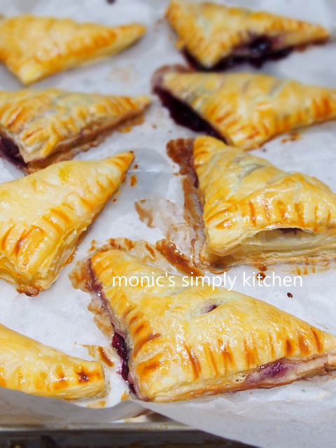 blueberry turnover