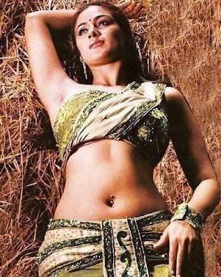 South Indian Desi Aunty Simran Hot Photos Collection | Mallu Surf