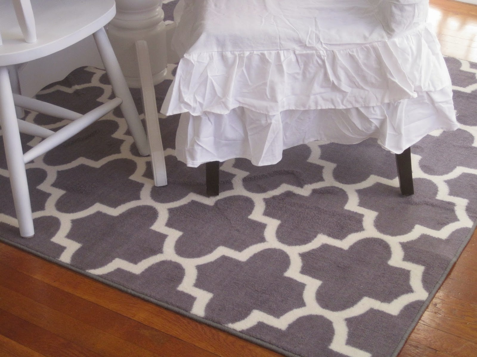Decorated Chaos New Rug And Slipcovers In The Dining Room Saxony Carpet Pile Low Meaning Designs