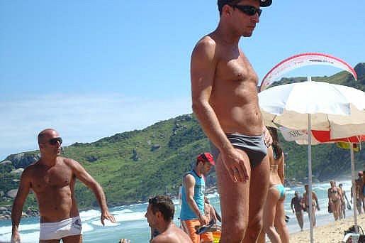 Gay annunci lecco immagini hot gay