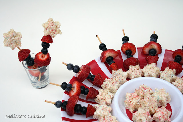 Melissa's Cuisine: Festive Marshmallow Treat Fruit Skewers