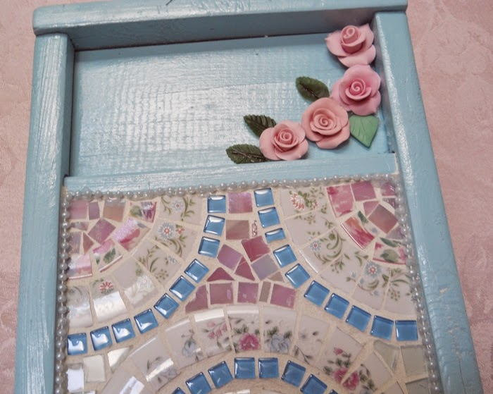 https://handmadeartists.com/product-details/Mosaic/Wall%20Art/Wall%20Art%20Washboard%20Mosaic%20handmade%20clay%20roses%20handmade%20mosaic%20shabby%20cottage%20chic/?pid=201406201647444238a