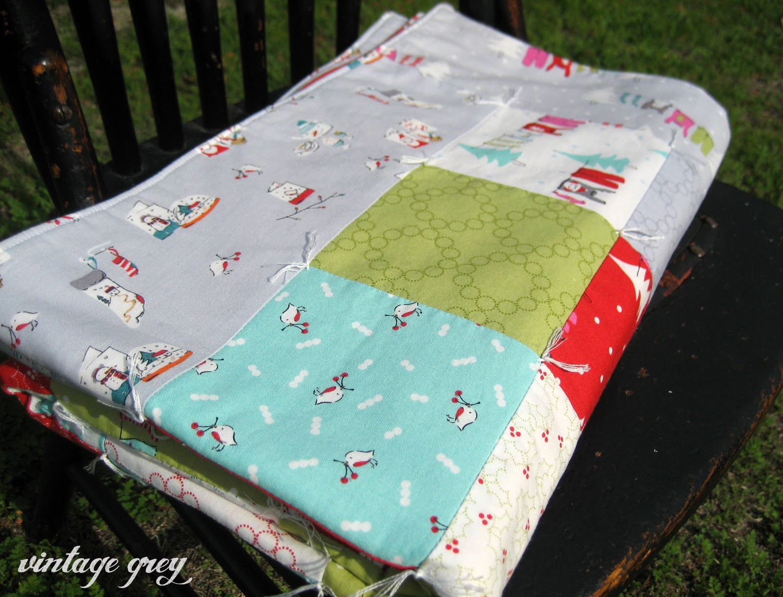 vintage grey: christmas hexies and quilt : quilt with yarn ties - Adamdwight.com