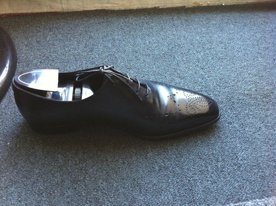 cireur de chaussures shoexpress urban shoeshiners. Black Bedroom Furniture Sets. Home Design Ideas
