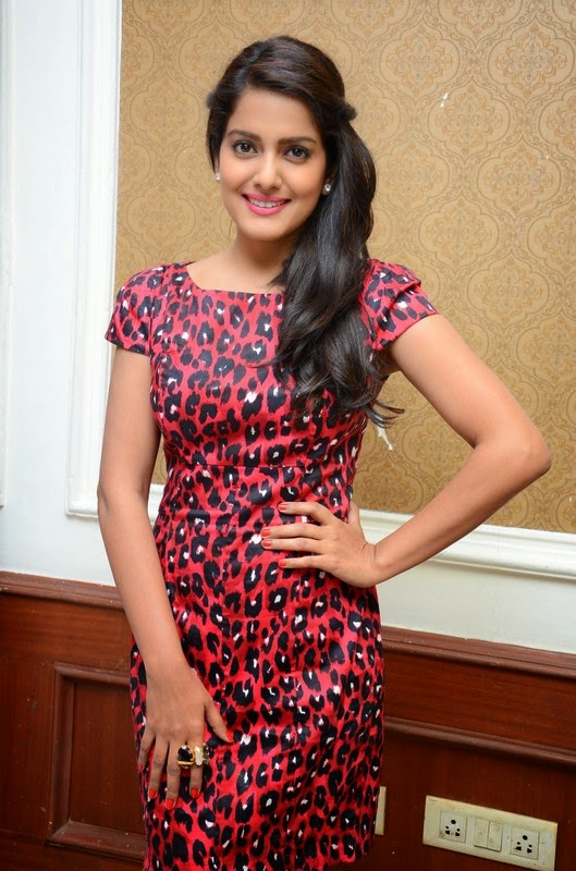 Vishakha Singh New Stills In Short Suit