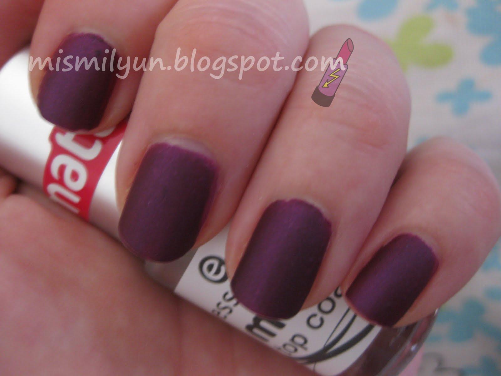 Esto va de uñas...Royal Purple de Elf + matt top coat de Essence ...