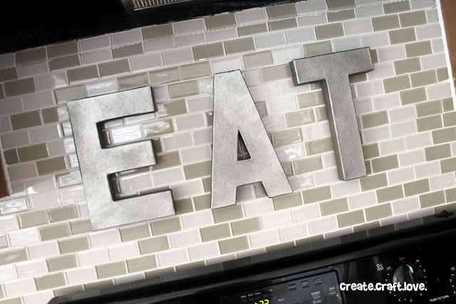 Retro Kitchen Decor via createcraftlove.com #fauxmetallicletters