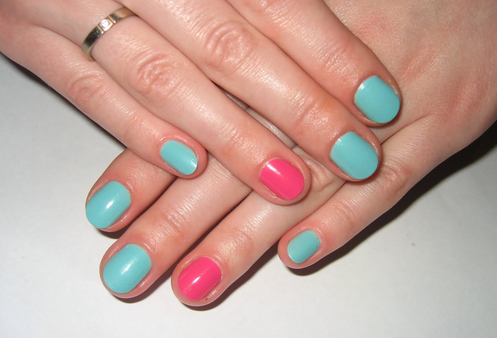 Как накрасить ногти на ногах лаком: красиво