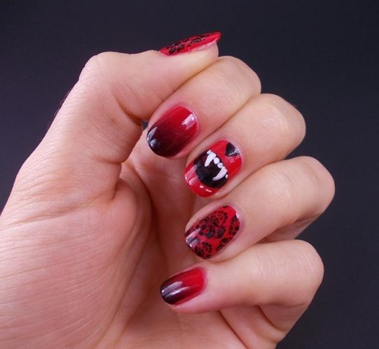 halloween mani nails vampire fangs