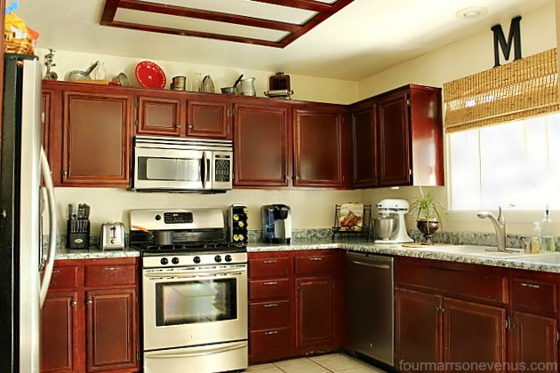 Four marrs and one venus kitchen update on a budget with for Small kitchen updates on a budget