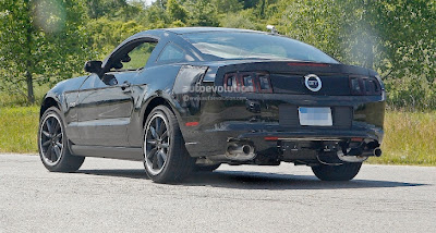 Spyshots: 2015 Ford Mustang