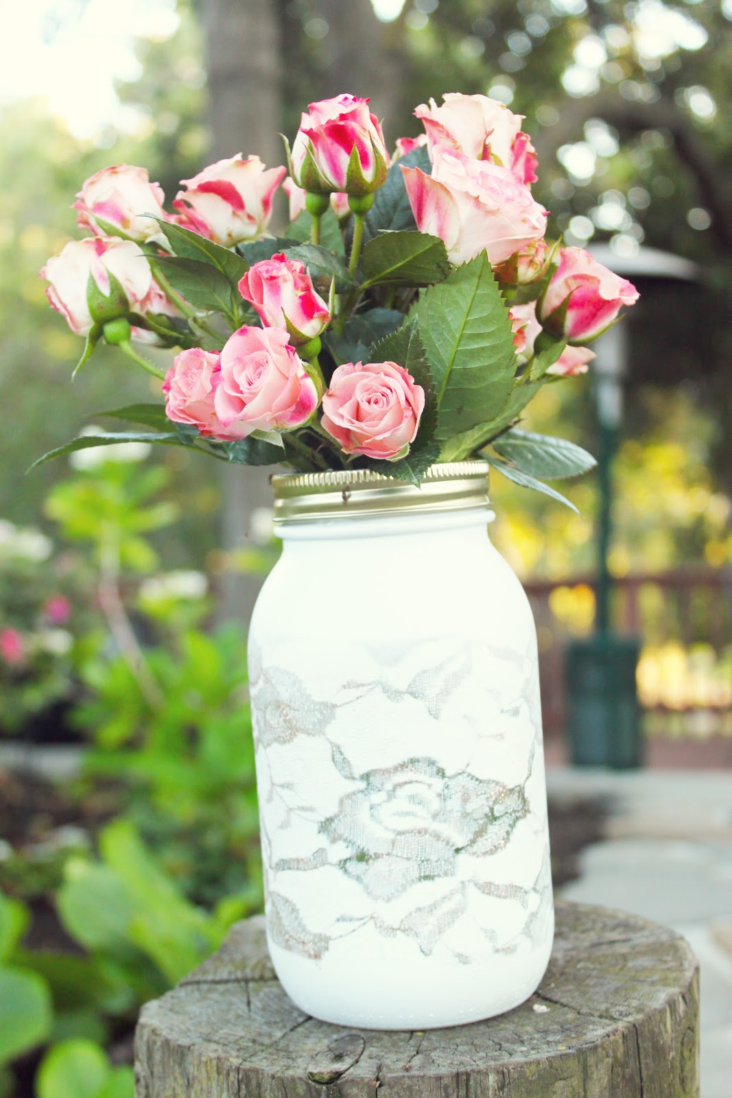 Diy lace vase michaela noelle designs what do you think easy enough im thinking this could be a great holiday gift or even a diy wedding centerpiece could you imagine a cluster of them on reviewsmspy