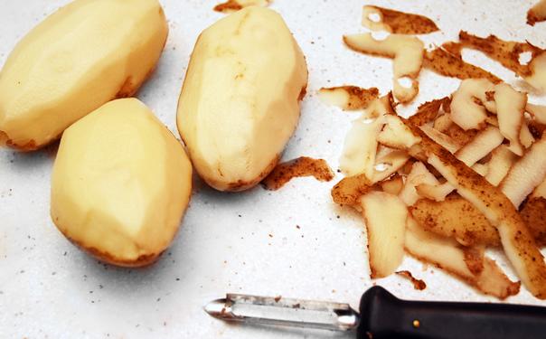 De ce nu e bine sa gatim cartofii in coaja?