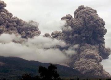 Perbedaan Letusan Gunung Kelud Dan Sinabung