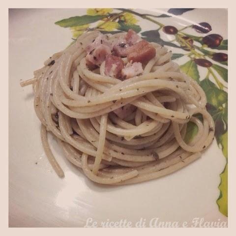 spaghetti con pancetta e salsa di tartufo nero