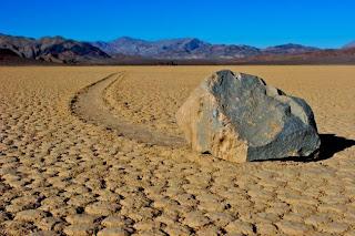FAKTA UNIK - Misteri Batu Yang Bisa Berjalan Sendiri