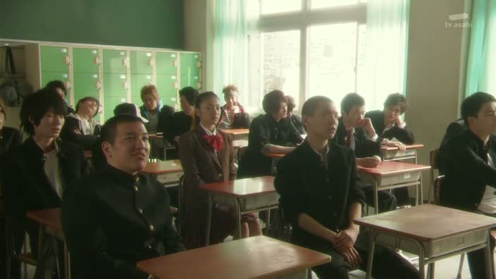 In this series a schoolgirl (played by Takei Emi) fails her entrance exams ...